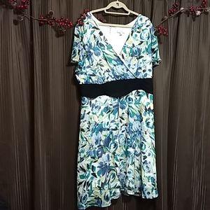 Flowered Blue/green/off-white dress